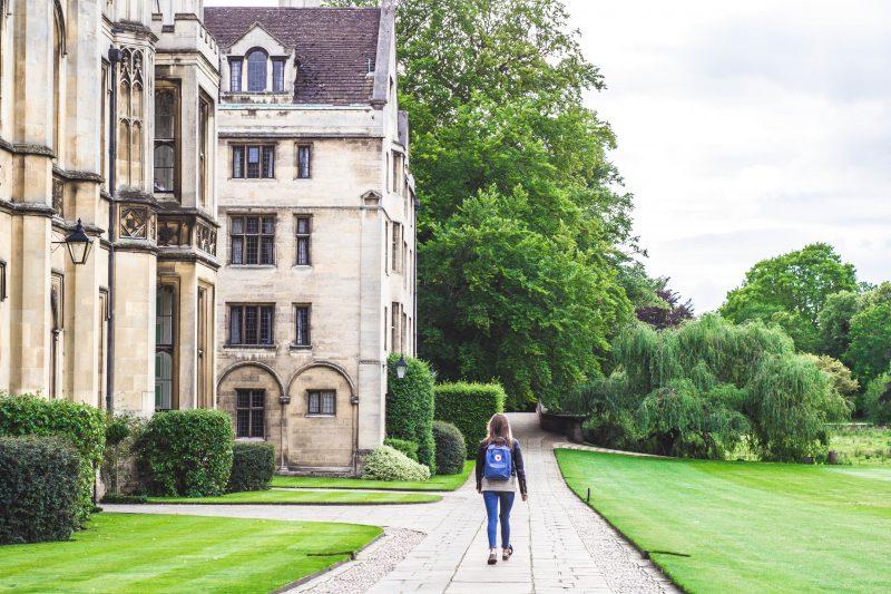 海外留学の奨学金